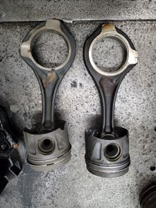 Mercedes OM642 3.0L Connecting Rod Piston